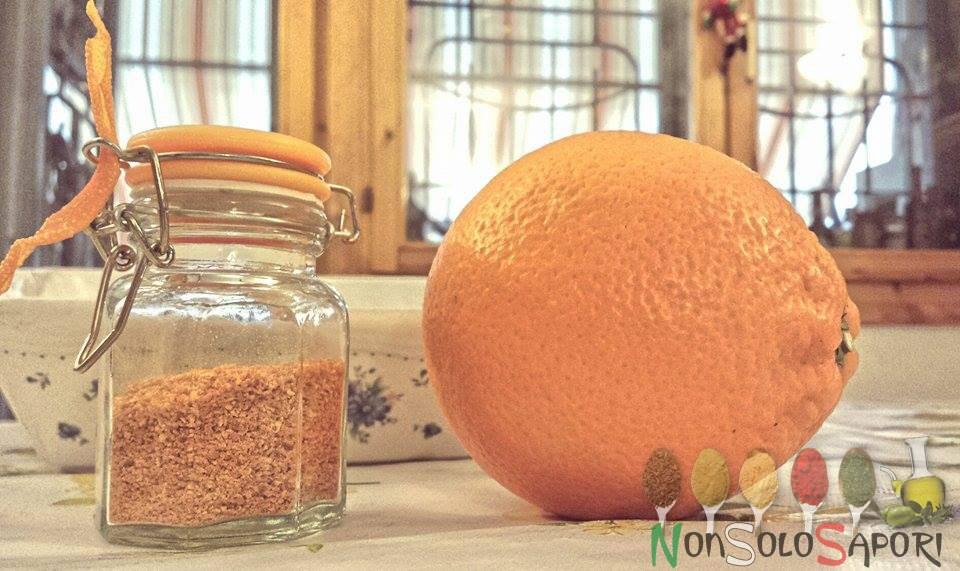 buccia di arancia disidratata e polverizzata